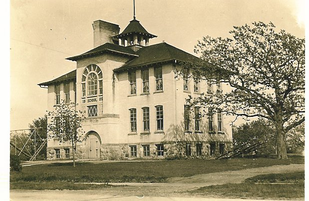 eagle-graded-school-1930s