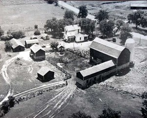 Aerial photo of Ridgeman farm in the 1950's